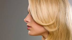 Egészséges szőke haj télre